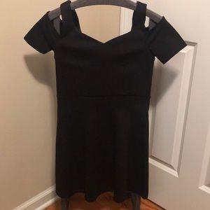 Dresses & Skirts - COLD-SHOULDER DRESS